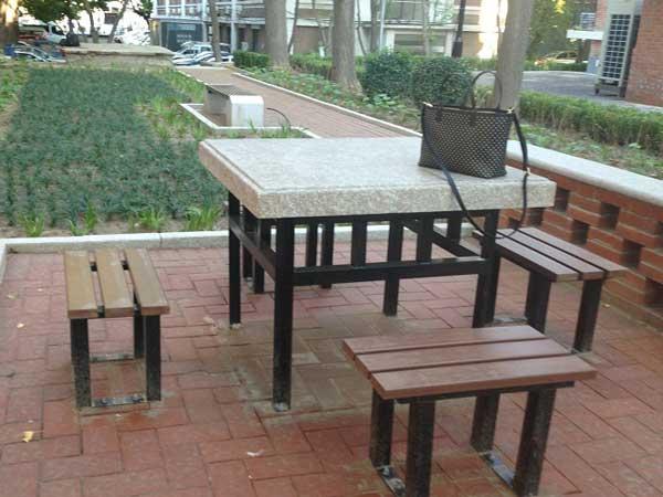 北京清华大学校园桌椅定制项目