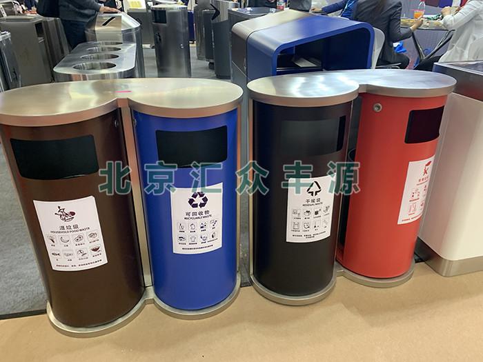 垃圾应该分那些类别或种类投入分类垃圾桶