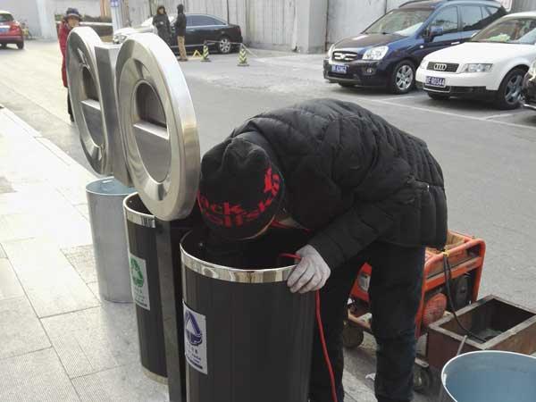 紫竹院不锈钢双桶垃圾桶安装施工项目
